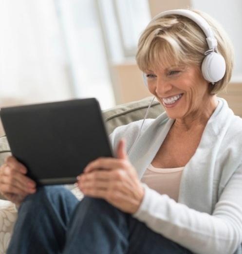 Lady_headphones_ipad-121787-edited-438937-edited.jpg